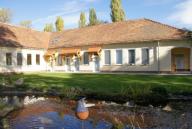 Gästehaus mit Gartenanlage